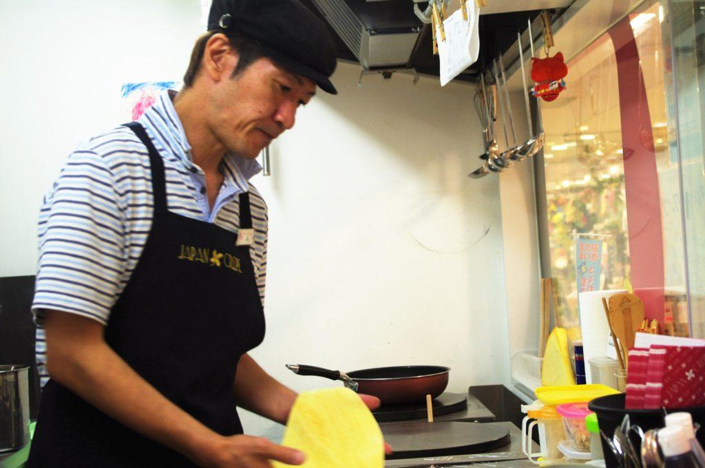 JAPAN CREPE豊橋カルミア店の森幹哲店長