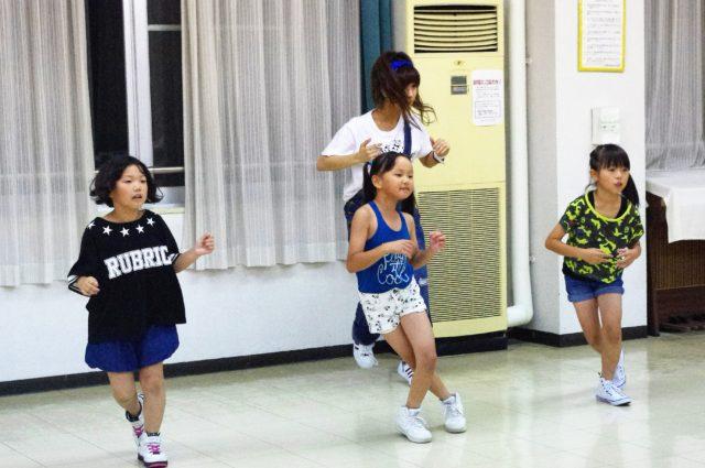 豊橋市のキッズダンススクールの様子