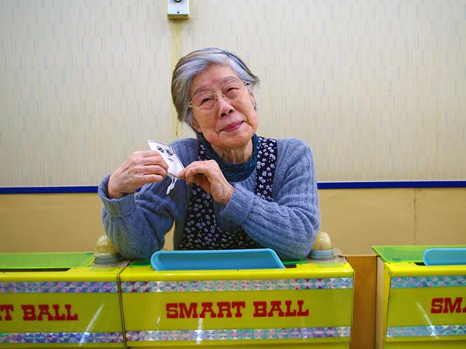 スマートボールの店主・朝倉文子さん